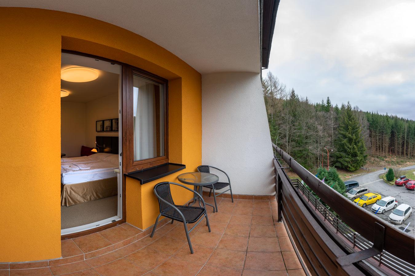 balkon v hotelu Kamzík